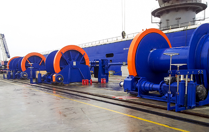 Winches offshore hotel